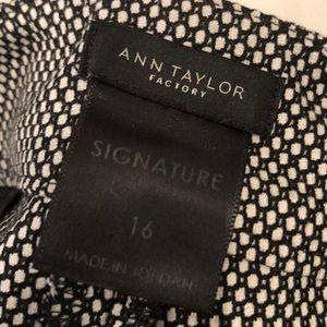 Ann Taylor Pants - Ann Taylor Signature Ankle Pants